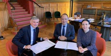 Signature du partenariat entre le Collège de droite et l'Ordre des avocats au Conseil d'Etat et à la Cour de cassation